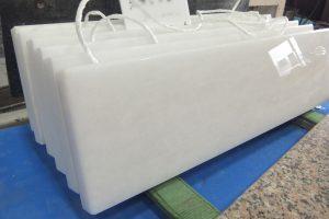 タソスホワイト 絶賛!美しい純白のタソスホワイトで巾木が完成!