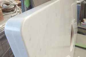 ビアンコカラーラ 白さが光る、清潔感溢れる洗面台制作!