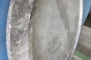 エンペラドールロイヤルクロム 新感覚のお洒落な円型テーブルに魅せられて…